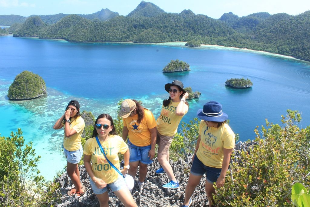 Wisata Kepulauan Wayag Raja Ampat